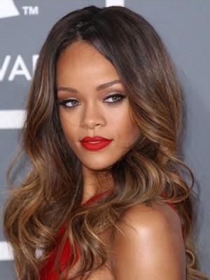 Rihanna Blendende Handgebundene Lange Wellige Perücke