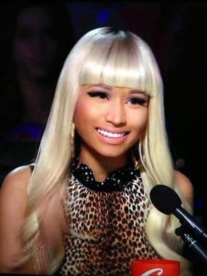 Lange Nicki Minaj Wellige Synthetische Perücke