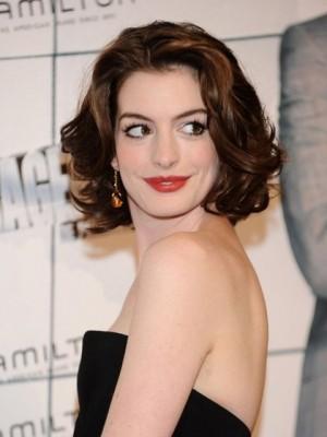 Hathaway Frisur Romantische Mittle Perücke