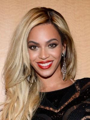Attraktive Beyonce Frisur Lange Spitzefront Perücke