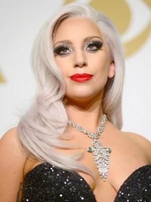 Zauberhaft Lady Gaga Wellig Spitzefront Synthetische Perücke