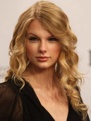 Dauerhaft Wellig Taylor Swift Spitzefront Kunsthaar Perücke