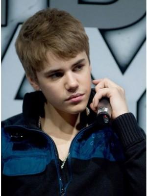 Hübsche Kappelos Bieber Haar Stil Perücke